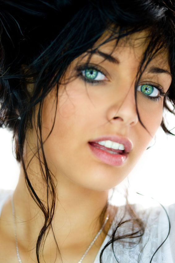 How To Get Bigger Brighter Eyes In 4 Easy Steps Hair Beauty