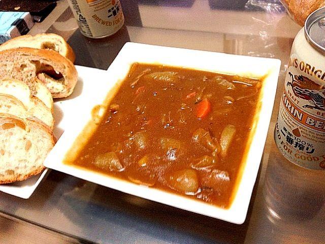 お家で食べるカレーは基本的にパンと一緒に頂いてます(*^^*) - 25件のもぐもぐ - 彼氏特製の野菜カレー☆ by 0fumi