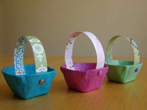 Mini Easter Baskets made out of egg cartons