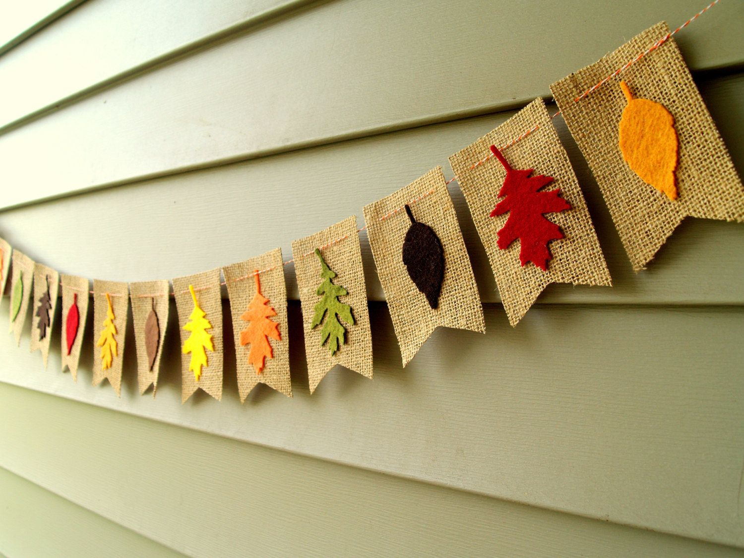 Decorazioni Per L Autunno burlap bunting with fall leaves | ghirlanda autunnale