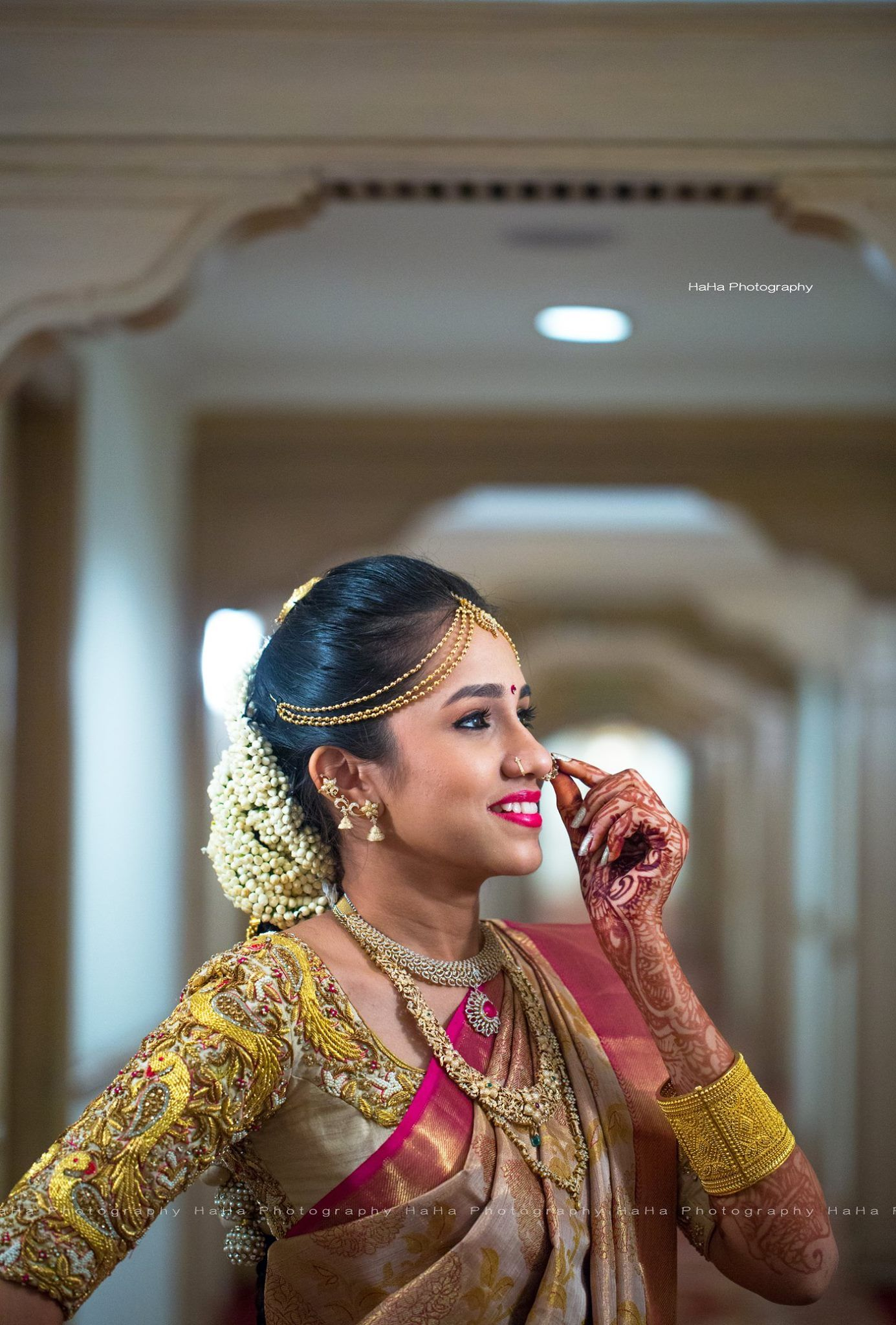 South Indian bride Diamond Indian bridal jewelry Temple jewelry