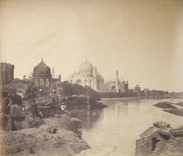 Pierwsze zdjęcie Tadż Mahal