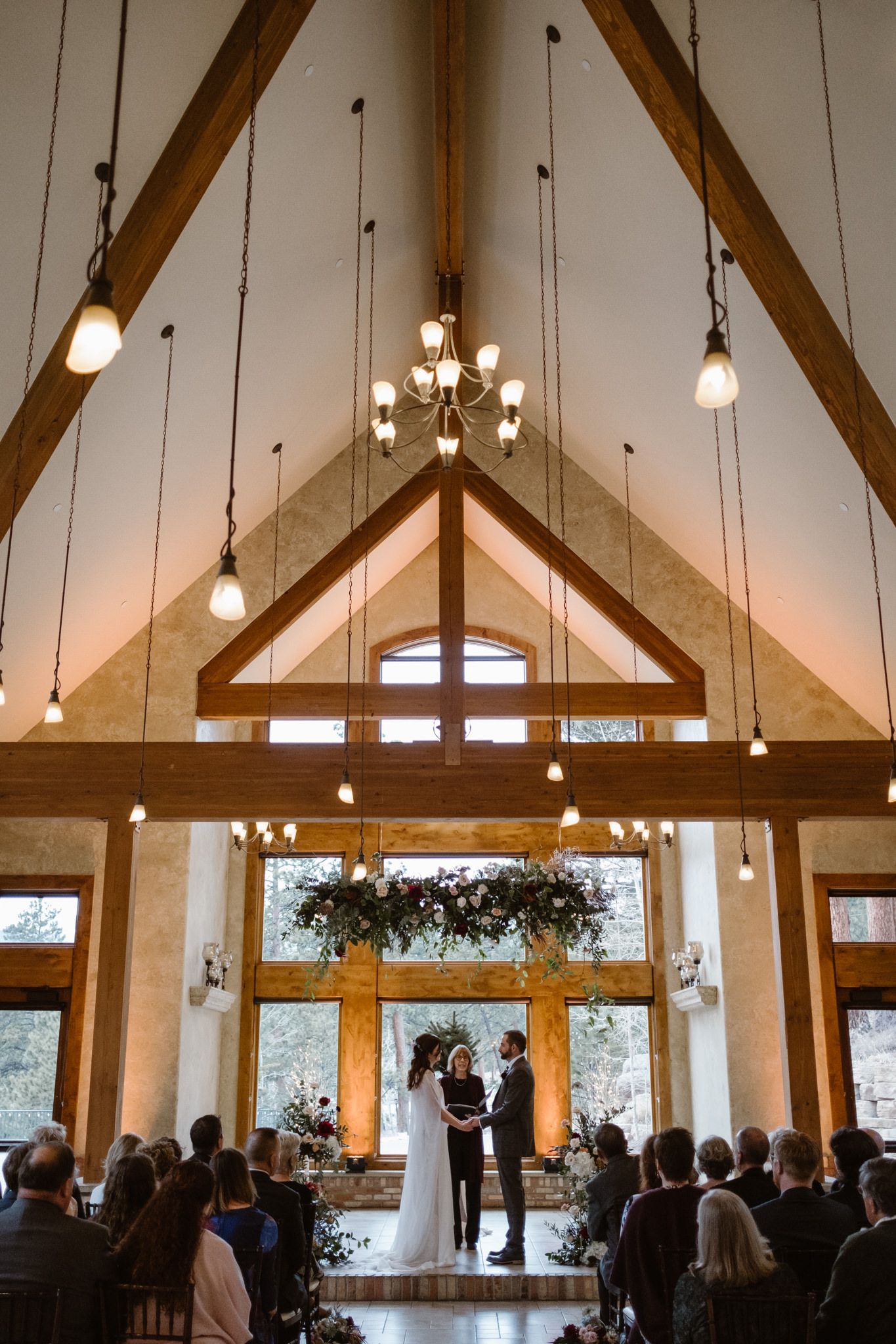 Estes Park Wedding Venues The Complete Guide Chateau Wedding Venue Indoor Wedding Ceremonies Wedding Venues Indoor