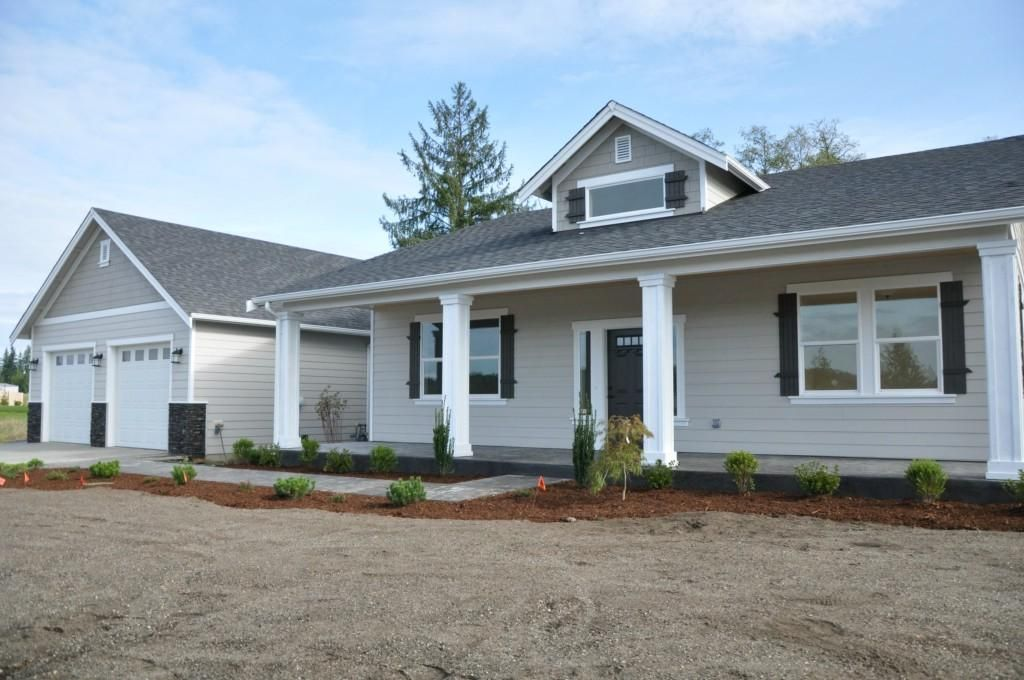 3 Bed Office Split Plan Rambler Covered Front Porch 16 Ceilings In The Entry With Dormer Great Room With Vau House Exterior Fresh House Front Porch Posts