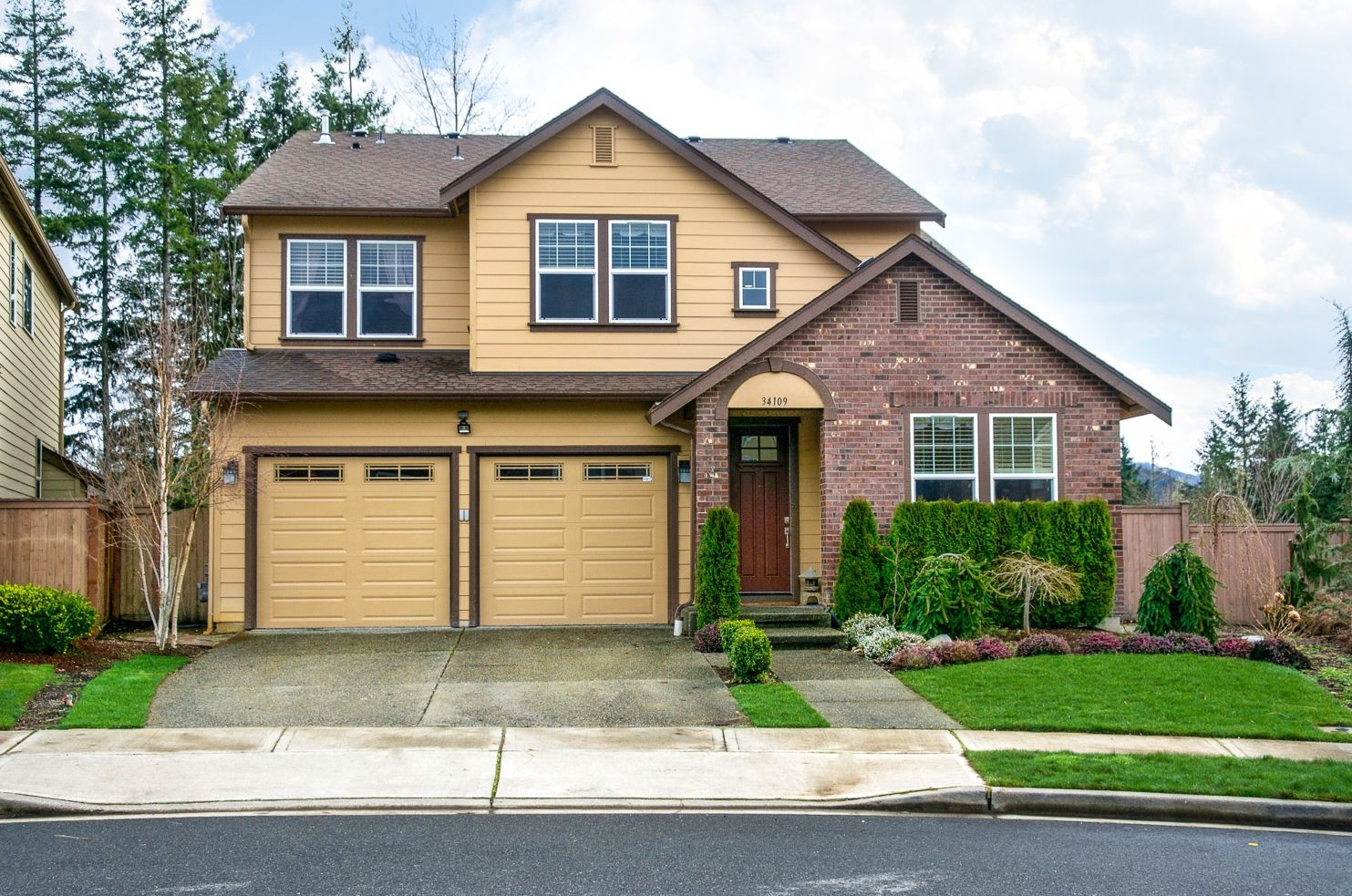 Indulge yourself in this fabulous eagle pointe home with