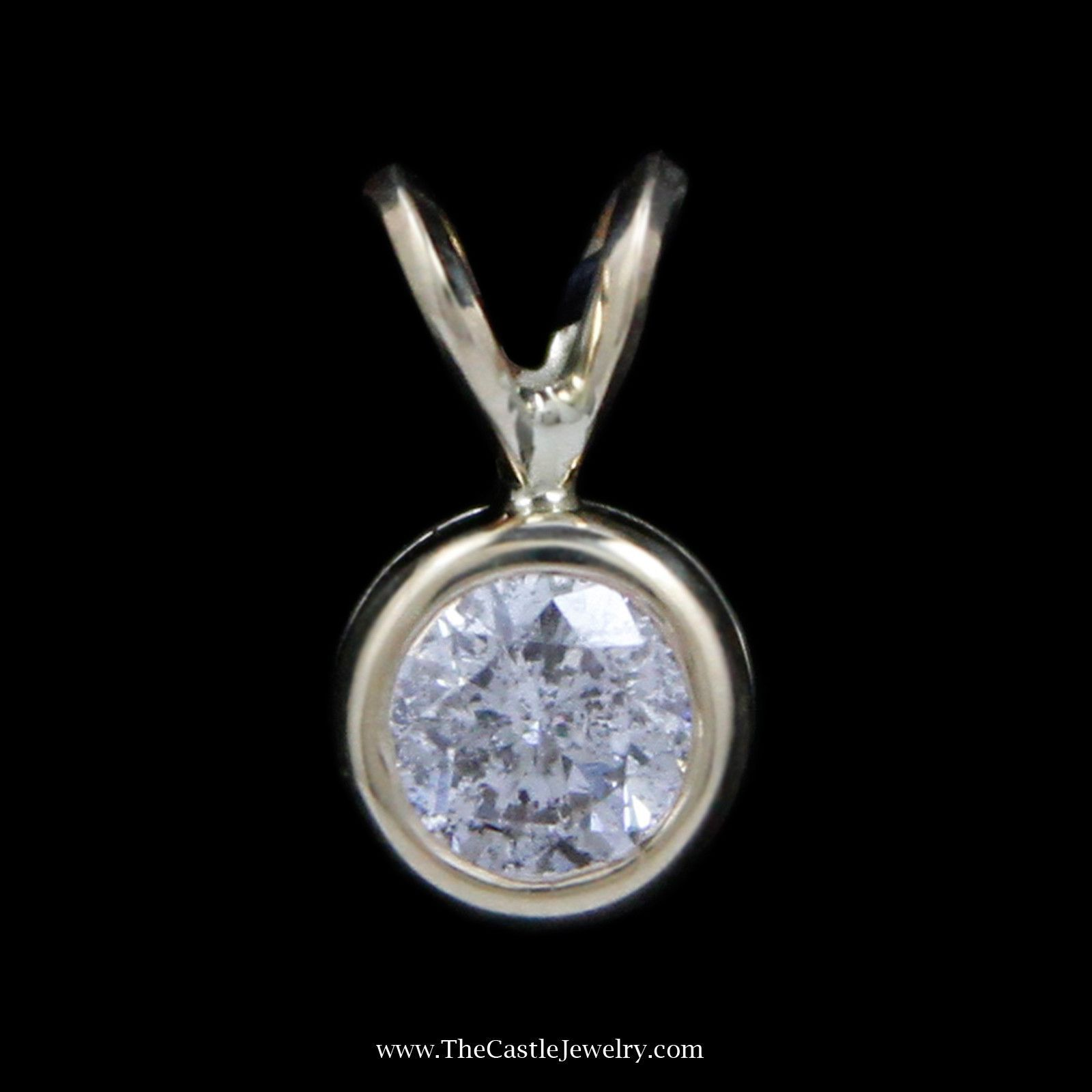 Beautiful ct round brilliant cut diamond solitaire pendant in