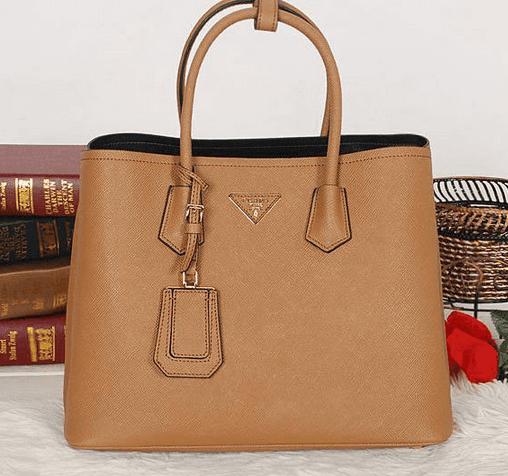4a0a82091 Lançamento Bolsa Prada Double Bag! Produto importado, à pronta entrega!  Acesse agora nossa loja e confira: www.replicasdebolsa.com.br