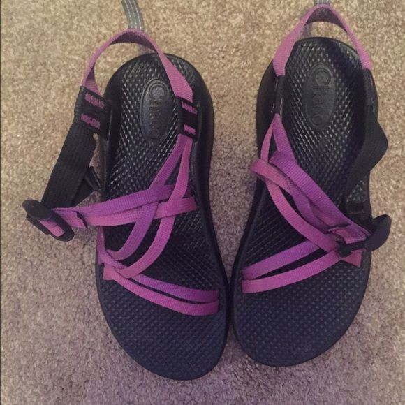 012013589258 Purple Double Strap Chaco s Purple Double Strap Chaco s. Size 4 (kids) only  worn a few times. In VERY GOOD CONDITION. Yes I will clean them before I  ship.