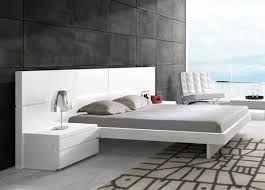 r sultats de recherche d 39 images pour lit au milieu de la chambre beds pinterest milieu. Black Bedroom Furniture Sets. Home Design Ideas