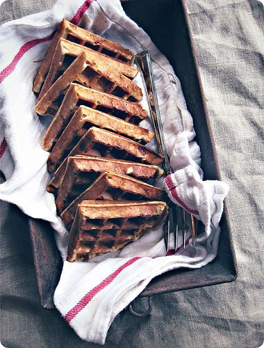 Banana bread waffles ... this is the first waffle recipe to make me wish I had a waffle iron