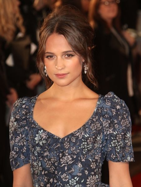 "Alicia Vikander at the London Premiere of ""The Light Between Oceans""(19-10-2016)"
