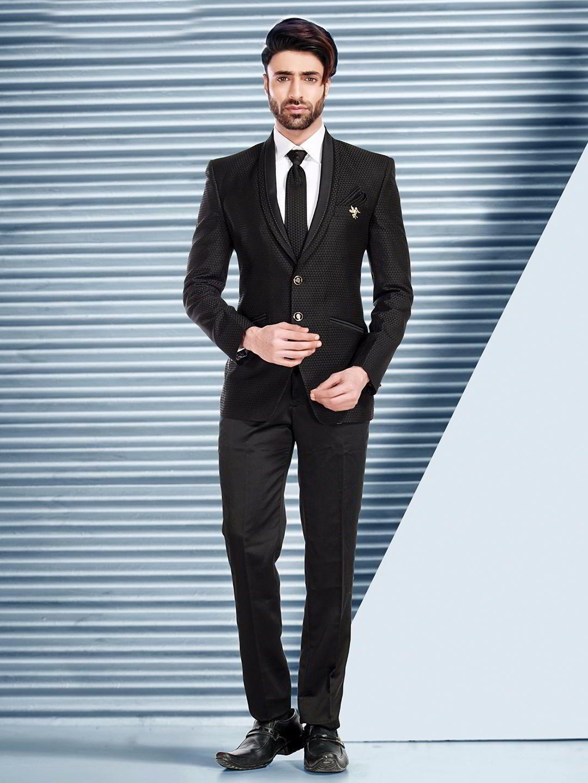 326184c9dc39e Чёрный мужской костюм-двойка + белая рубашка с галстуком   www ...