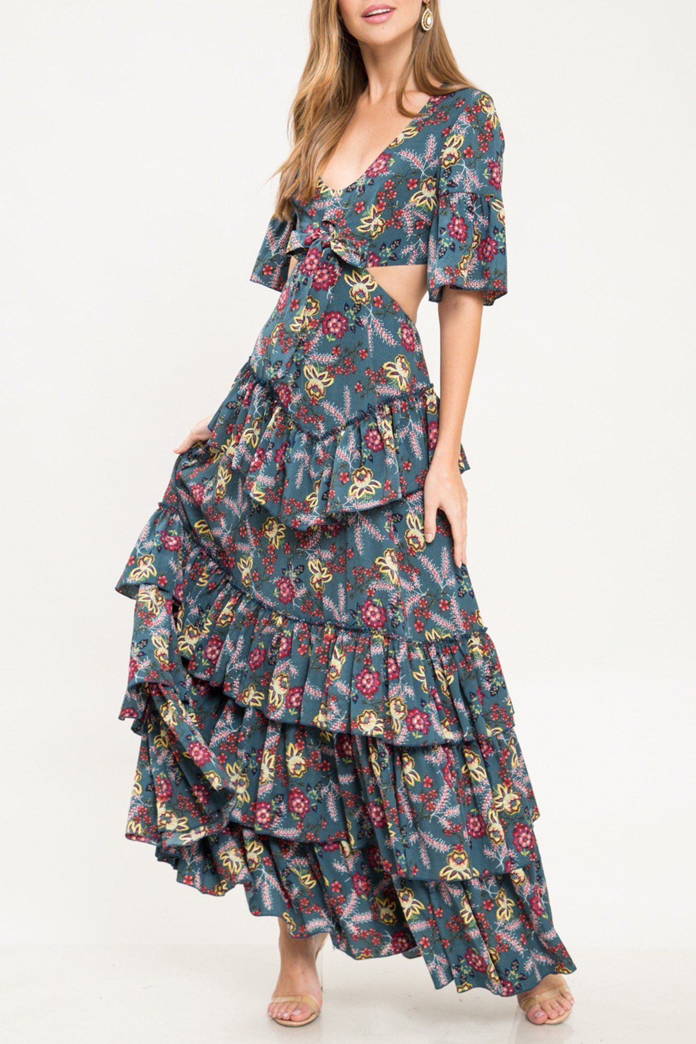 Pin By Dominika Franaszczyk On Style Cutout Maxi Dress Maxi Dress Dresses [ 2099 x 1400 Pixel ]