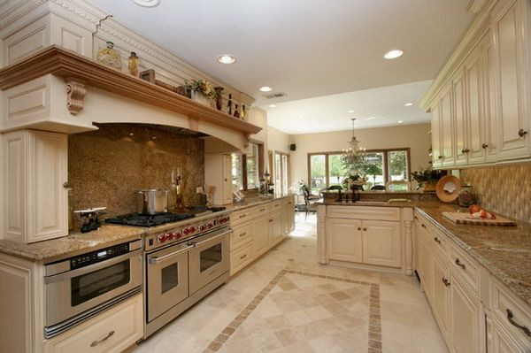 Traditional Kitchen Design Ideas with Cream Color Tumbled Marble ...