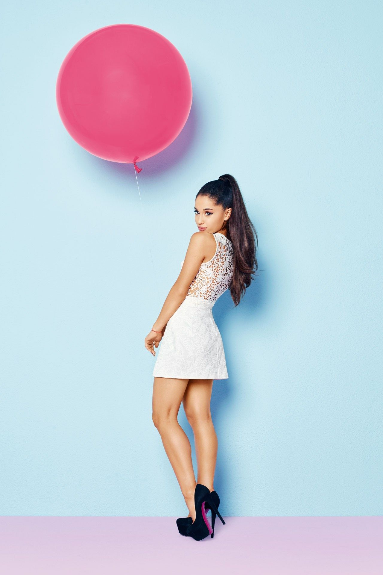 Miss vogue meets ariana grande ariana grande lipsy and fans