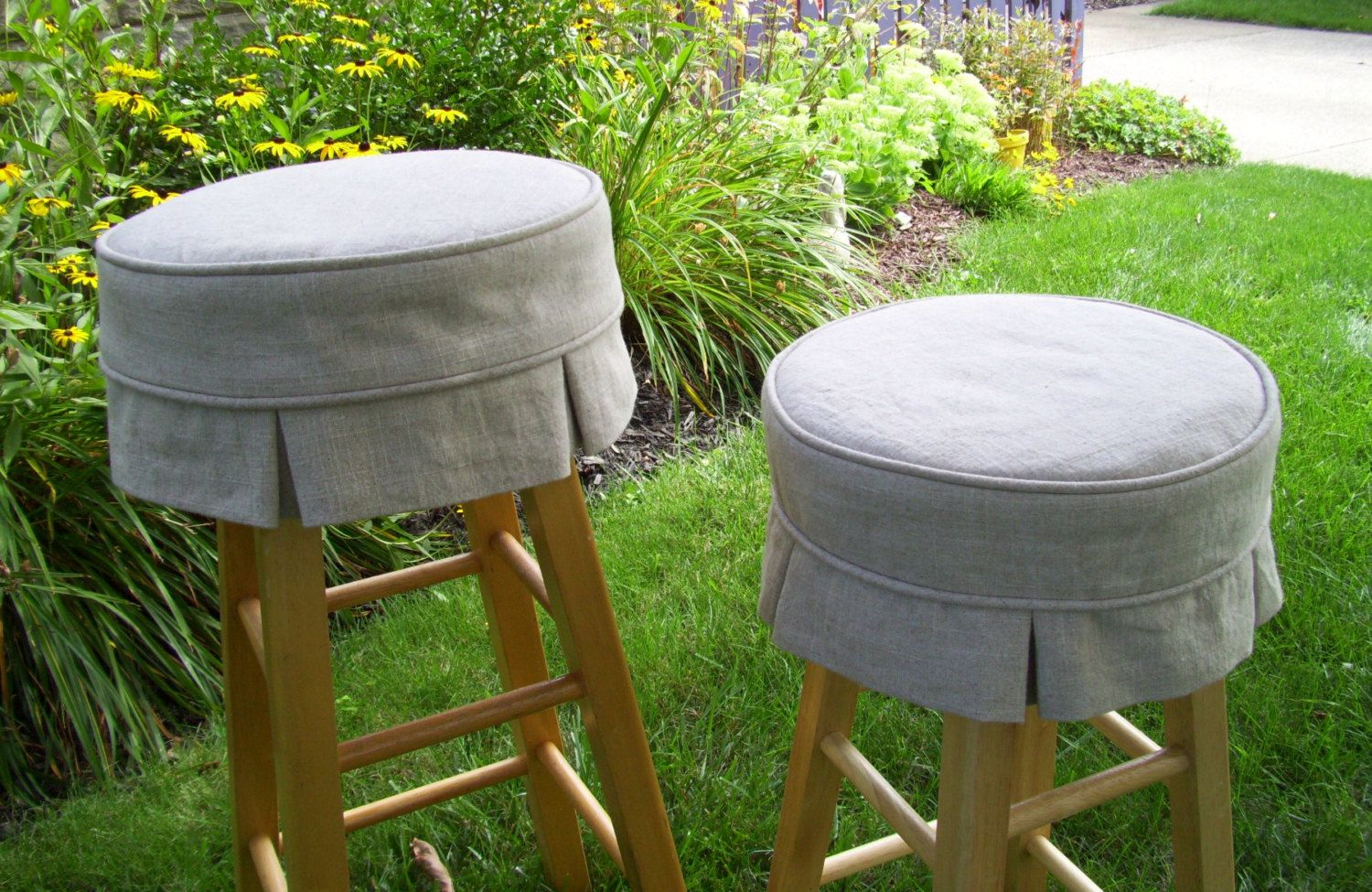 Furniture Cool For Kitchen Decoration Using Round Light Grey Skirt Bar Stool Chair Cushions And Backless Oak Wood Tall Chairs