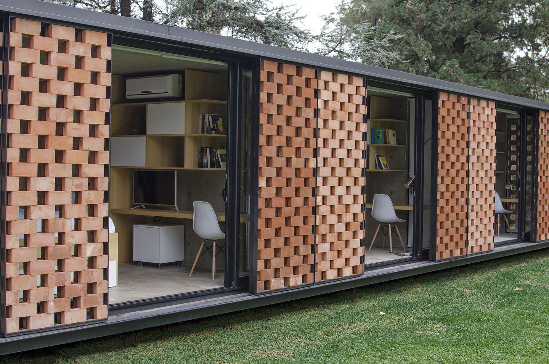 ESTUDIO BOTTERI-CONNELL Experimental Brick Pavilion
