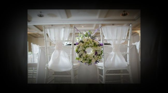 3 day hands-on workshop; you will learn lots of mechanics and new techniques to create personal, ceremony and reception flowers - each day will start with a discussion of business issues