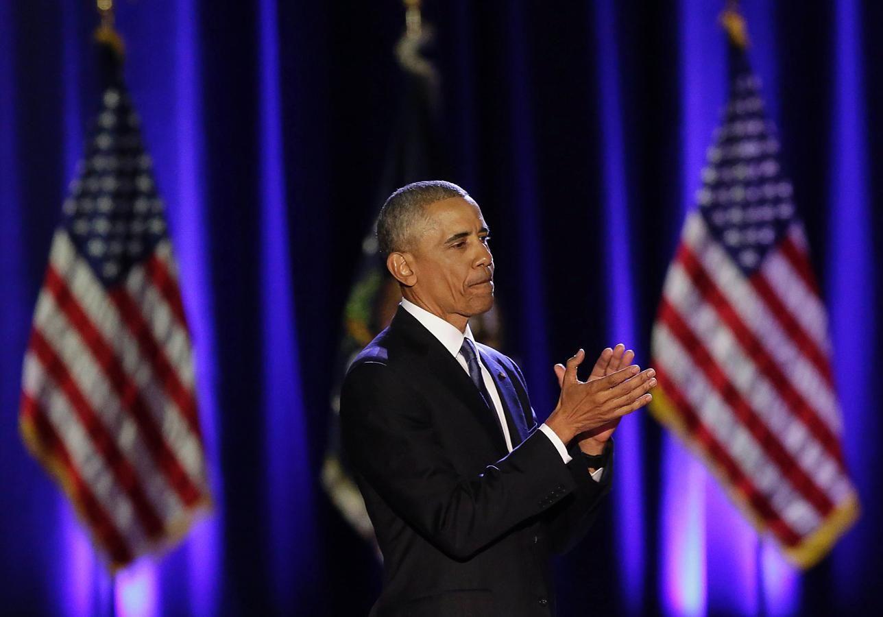 Obama aplaude durante el acto de despedida de la Presidencia celebrado en Chicago, Illinois