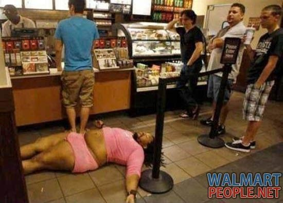 Weird People Of Walmart - Pic 10....really? clearly this is a starbucks. doesn't look like any walmart I have seen. Apparently starbucks get the walmart kind of people too.