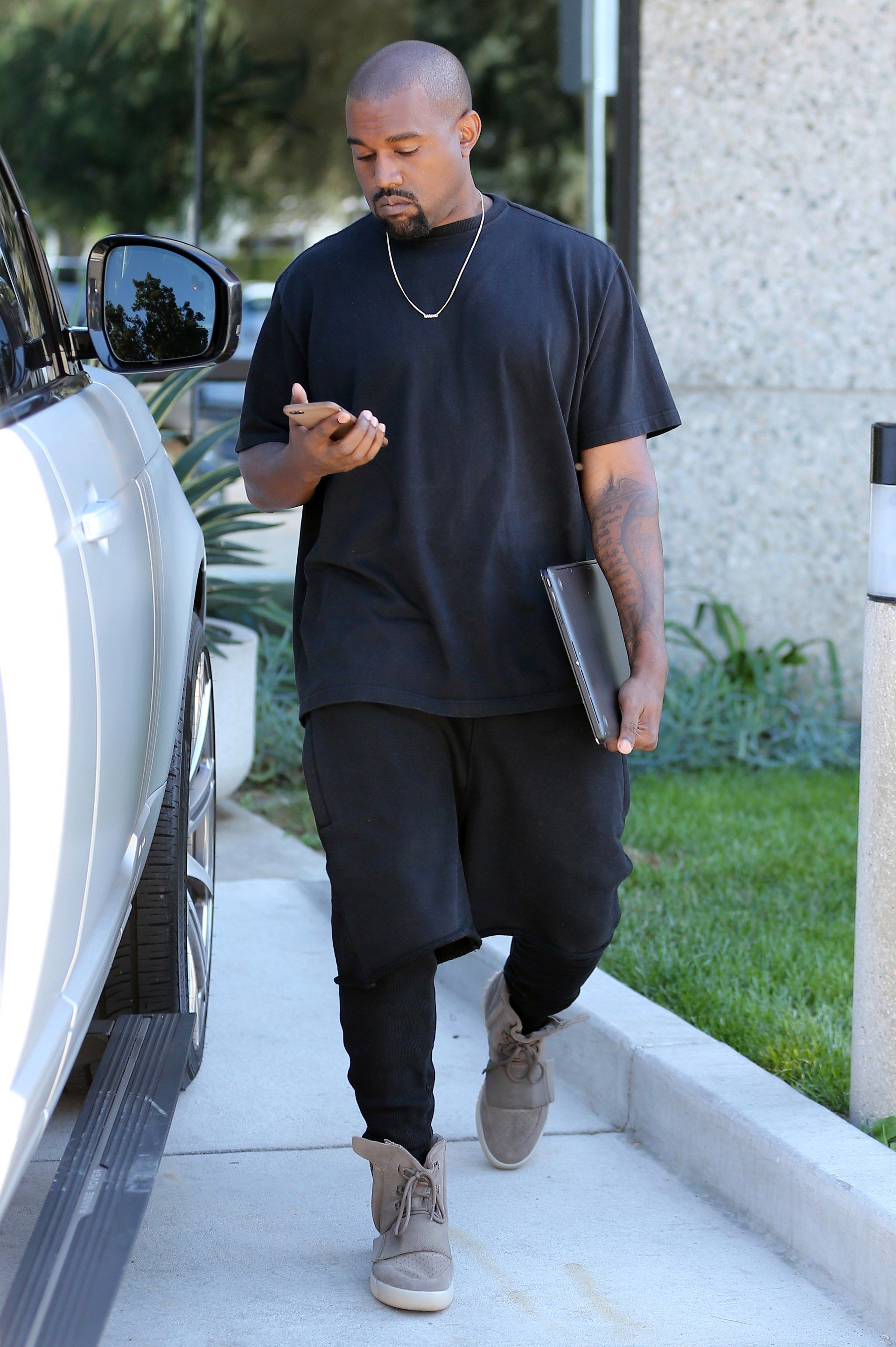 The Kanye West Look Book Kanye West Outfits Kanye West Style Mens Fashion Streetwear