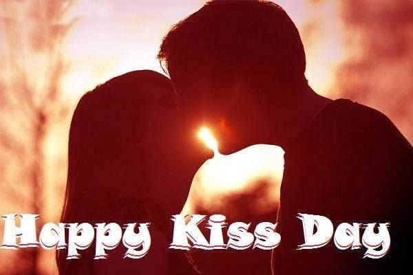 Happy Kiss Day Couples Photos Cute Romantic Kiss Day Images For