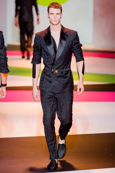 SPRING 2014 MENSWEAR Versace   Donatella Versace has quit smoking!  Overnight! This epochal moment in fashion was the perfect lead-in to DV s  latest ... efe65094e78