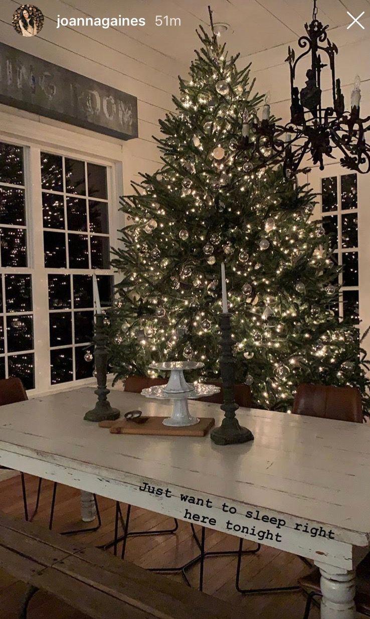 Joanna Gaines 2018 Farmhouse Christmas Tree Farmhouse Christmas Decor Farmhouse Chic Decor