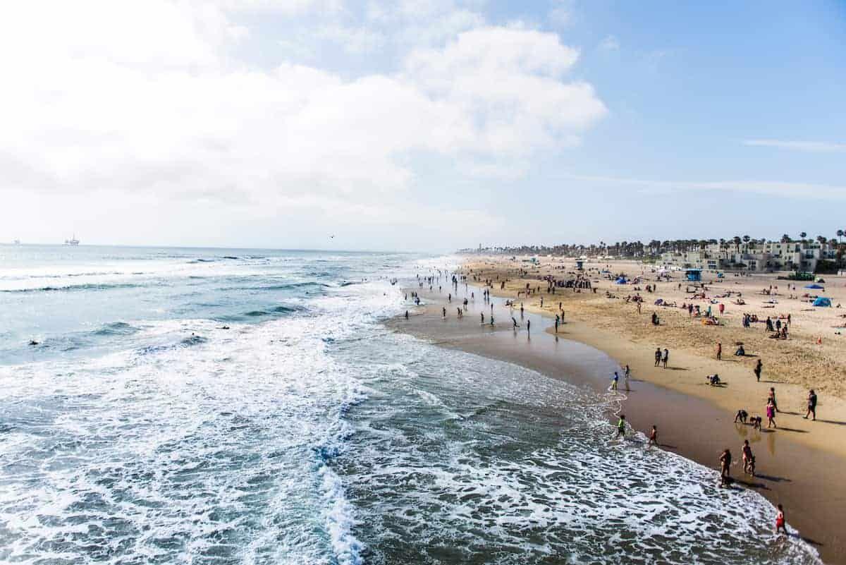 10 Cities Near Los Angeles Where You Should Live Apartmentguide Com City Beach Town Beach Apartment