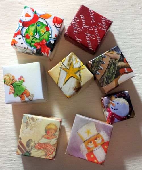 Upcycle project! Christmas boxes from Christmas Cards!