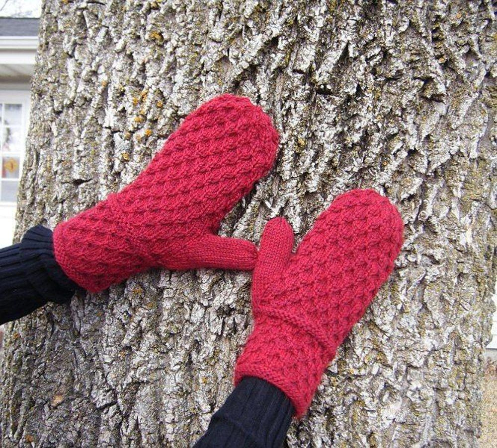 Amaliya Mittens | Honeycomb pattern, Capelet and Mittens