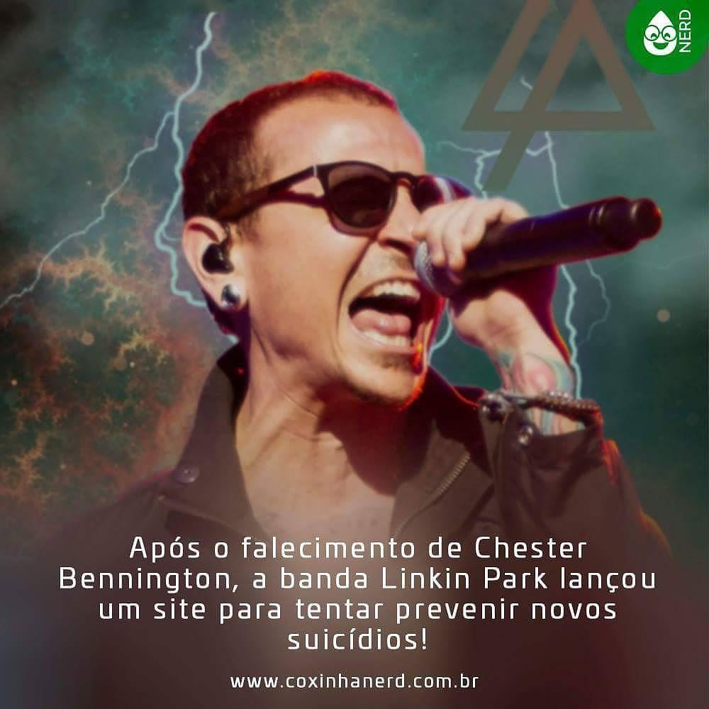 #CoxinhaNews Após o falecimento de Chester Bennington a banda Linkin Park lançou um site para tentar prevenir novos suicídios! O site (chester.linkinpark.com) também é um grande mural com homenagens ao cantor vindo de fãs de todo o mundo! #timelineacessivel #pracegover