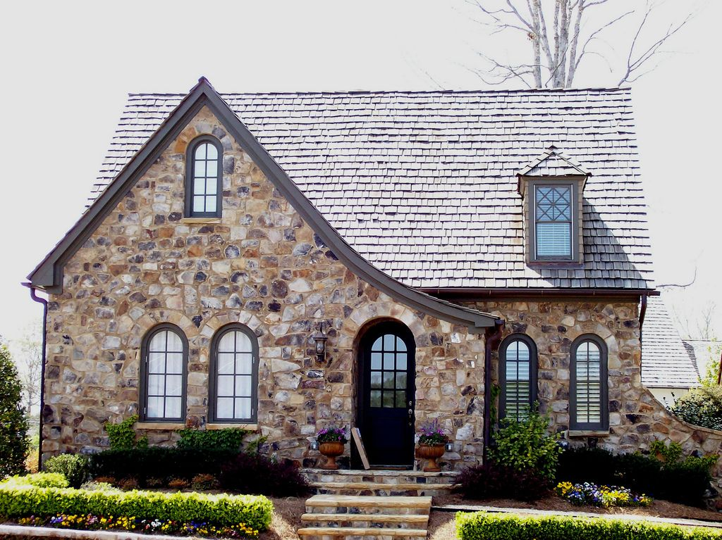 Tudor bungalow homes cottages character pinterest for Small tudor house