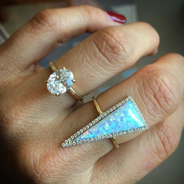 Happy Friday✨ #opal #oval #diamonds #rings #friday @jewelry #smithandmara
