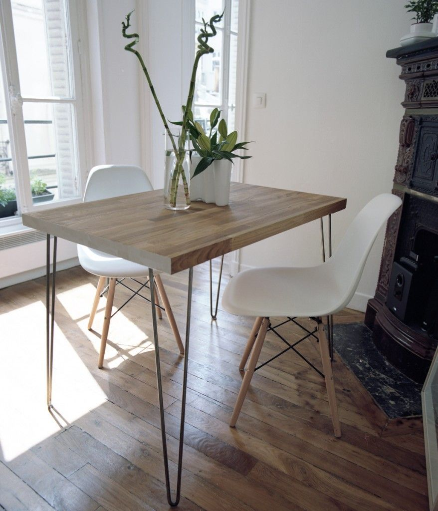 Un Petit Appartement Amenage Avec Des Meubles Chines Table Diy Ikea Dining Table Classic Dining Room Dining Room Table