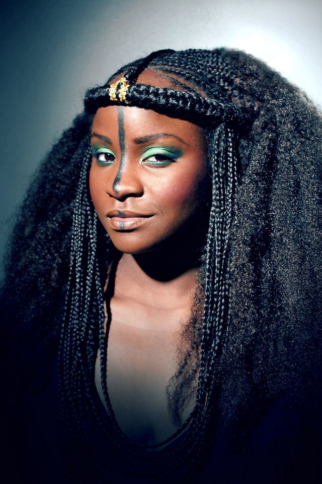 Afro Mango Cie L Art De La Coiffure Par Sephora Joannes Natural Hair Styles African Hairstyles Hair Styles