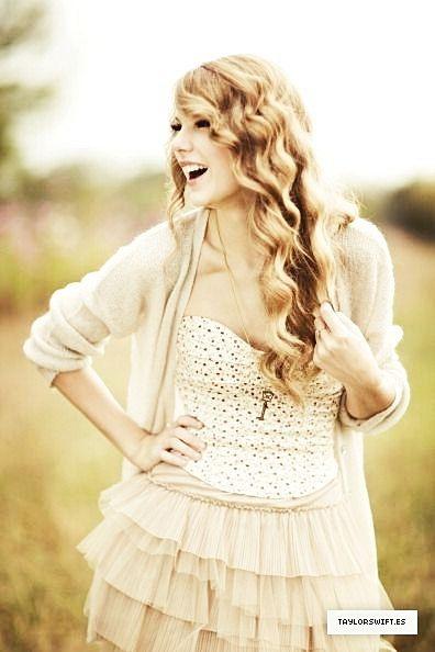 Simple Pretty Taylor Swift Photoshoot Taylor Swift Fearless Taylor Alison Swift