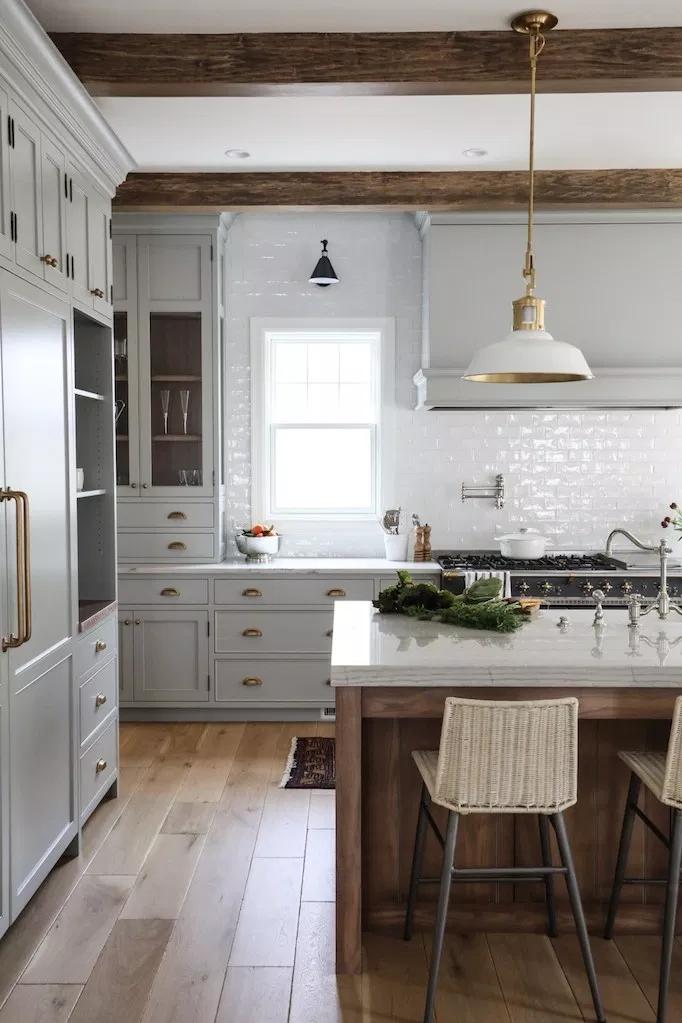25 Ways To Style Grey Kitchen Cabinets Interior Design Kitchen Kitchen Style New Kitchen Cabinets