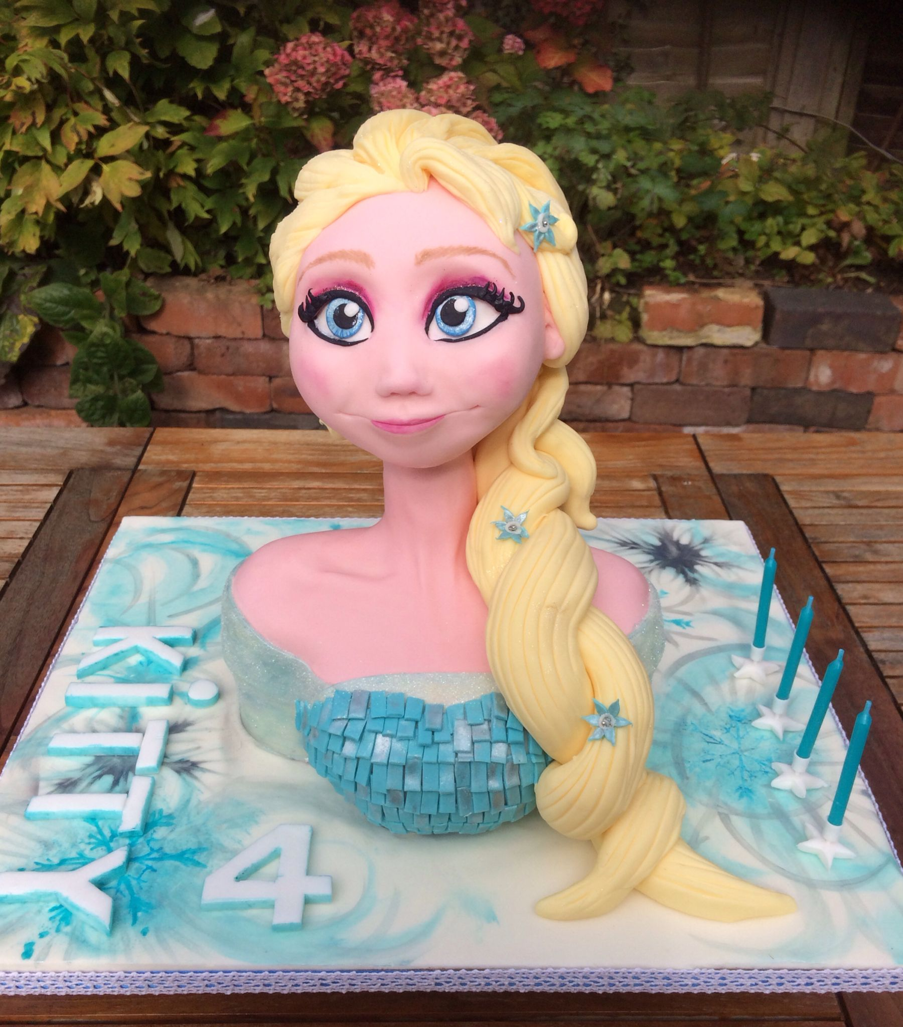 Frozen cake made from mcgreevy cakes tutorial how to