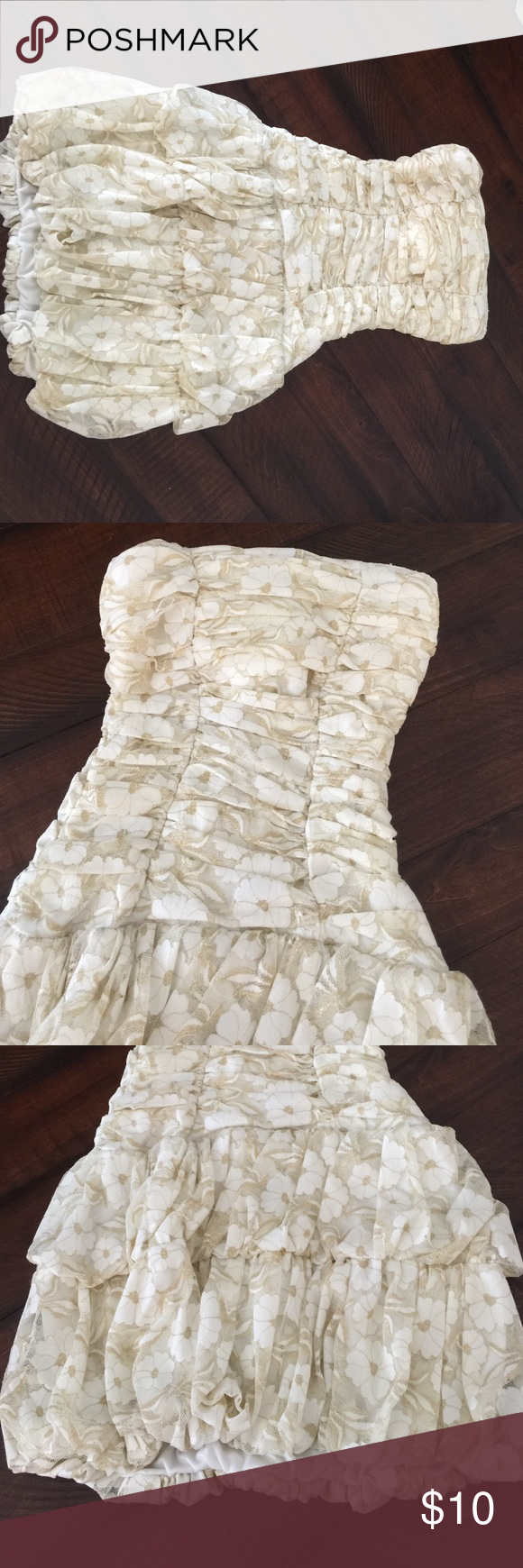 Good condition gold & cream floral lace dress Good condition white & cream floral stretchy lace ruched mini strapless dress Dresses Mini