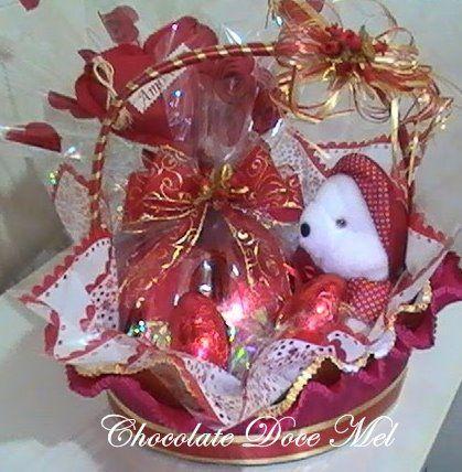 Cesta verbena com cora o de chocolate de 500g decorada - Cestas decorativas ...