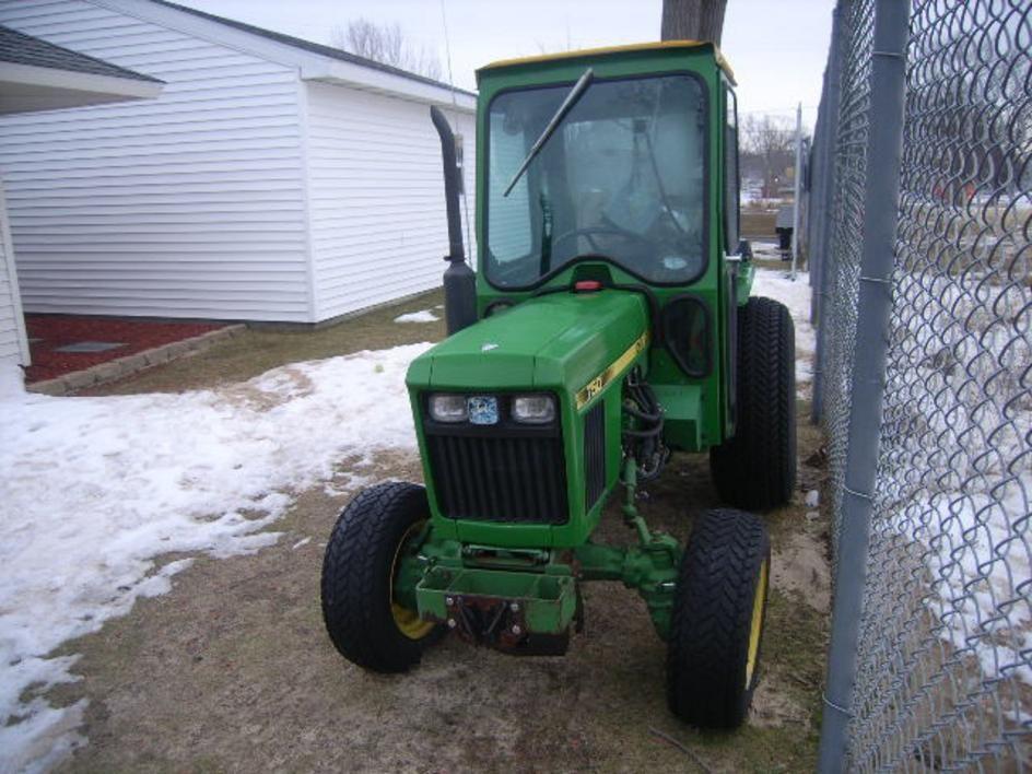 John Deere Tractor 750 with cab | On GovLiquidation com