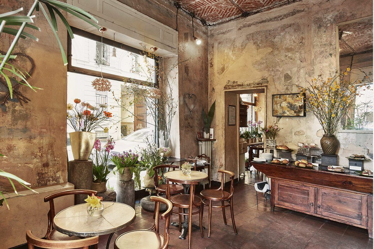 19 Most Instagrammable Cafes In Milan Milan Bar Cool Cafe Coffee House Design