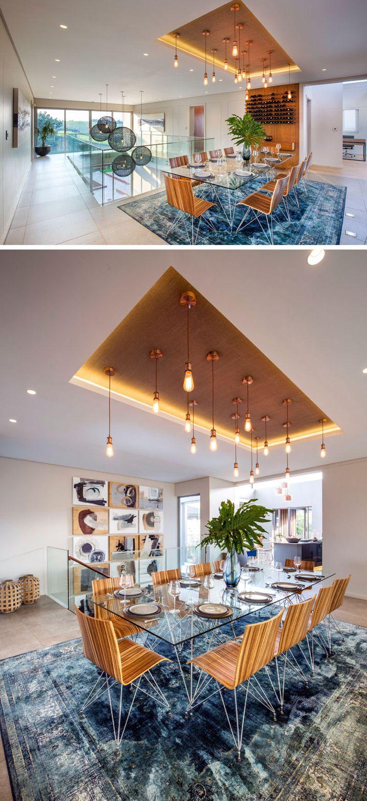 Essbereich mit Holzakzenten und türkisenem teppich   Esszimmer Ideen ...