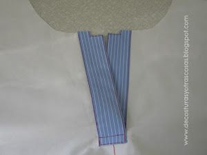 Segundo tutorial para la confección de un cierre tipo polo. En este caso con vista o tapeta. Una vez mas he utilizado tejidos e hilos d...