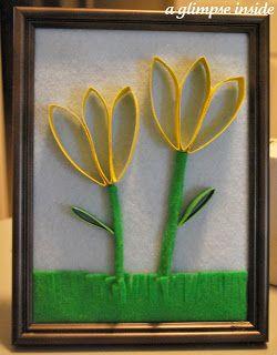Tulipanes con tubos de papel higiénico.