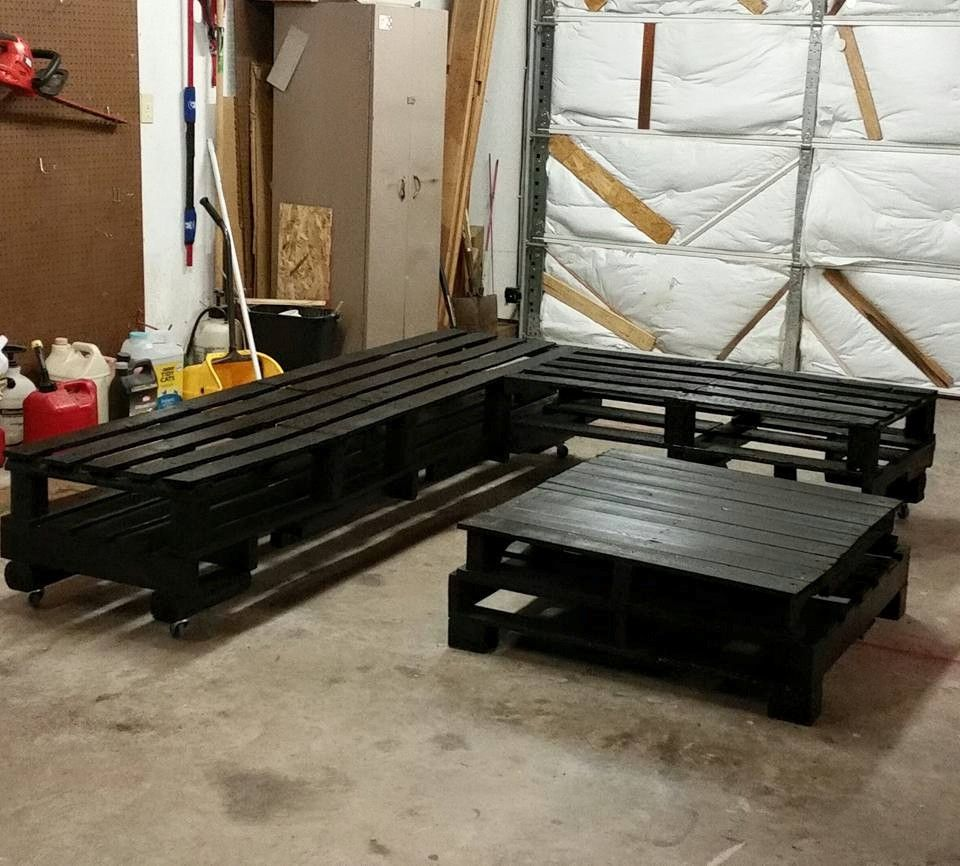 Diy Pallet Chair Design Ideas To Try: DIY Black Stained Whole Pallet Sofa Set