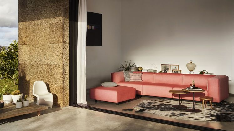Make yourself comfortable in Lisbon. Maybe at the new Soft Modular Sofa by Jasper Morrison?