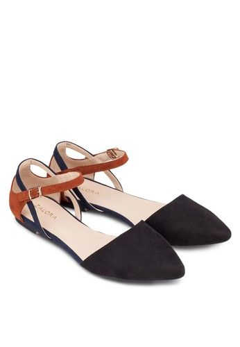 Pointed Cut-Out Ballerinas from ZALORA in black_4