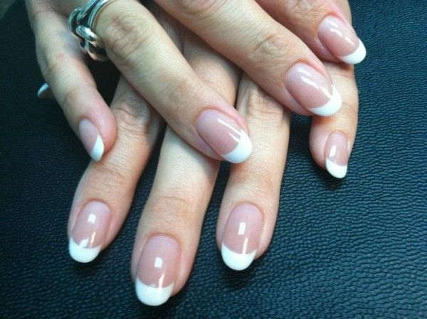 French Manicure On Oval Nails French Tip Acrylic Nails Acrylic Nail Shapes Oval Nails